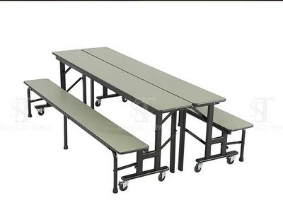"""学生""""联系者""""桌"""