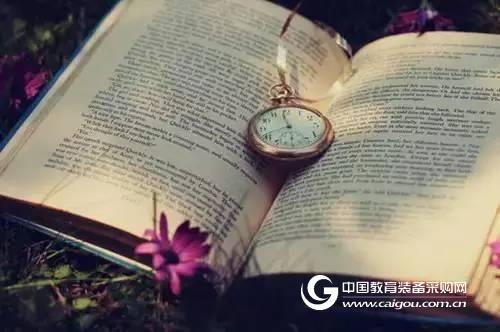 """古籍书刊扫描仪为珍贵古籍""""续命"""""""