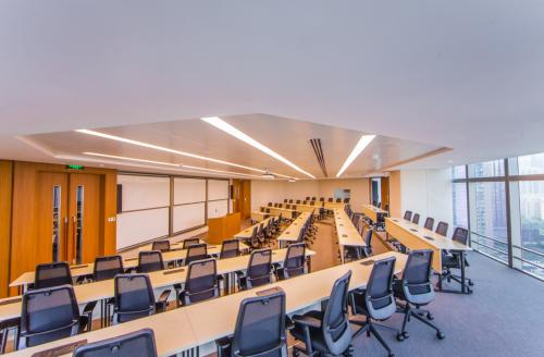 香港中文大学(深圳)实力揭秘 就读在职金融硕士的理想选择