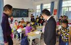 小桌椅,大爱心——建晟教育为新圩中心小学捐赠新课桌椅