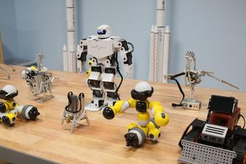 """""""人工智能+教育""""挑战课程与成就未来"""